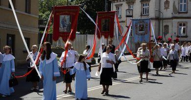 Boże Ciało w Świebodzicach – zdjęcia z procesji
