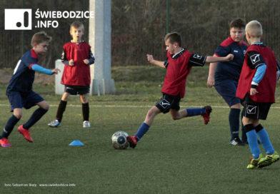 Victoria Świebodzice wznawia treningi piłkarskie