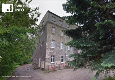Trwa najdłuższa w historii sesja Rady Miejskiej w Świebodzicach… będą szkoły ponadpodstawowe?