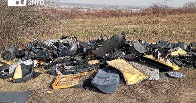 Śmieci na Zimnym Dworze leżą od października ubiegłego roku…
