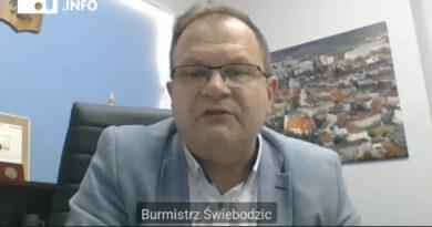 W świebodzickim Wydziale Promocji burmistrz Paweł Ozga znowu zatrudnia