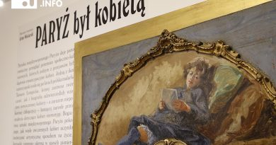 Paryż był kobietą – to tutył otwartej w sobotę wystawy BWA w Książu